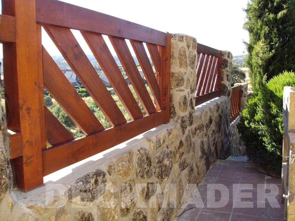 Construcci n de barandillas de madera para exterior madrid - Baranda de madera ...