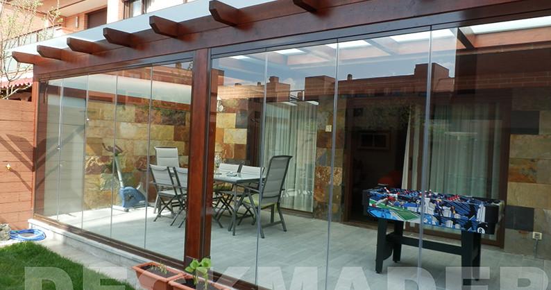 Instalaci n pergola de madera en gudalajara estructuras for Choza de jardin de madera techo plano